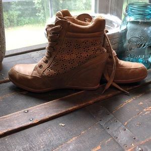 Tan forever 21 wedge boots